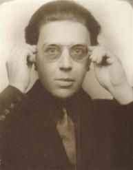 André_Breton_1924.jpg